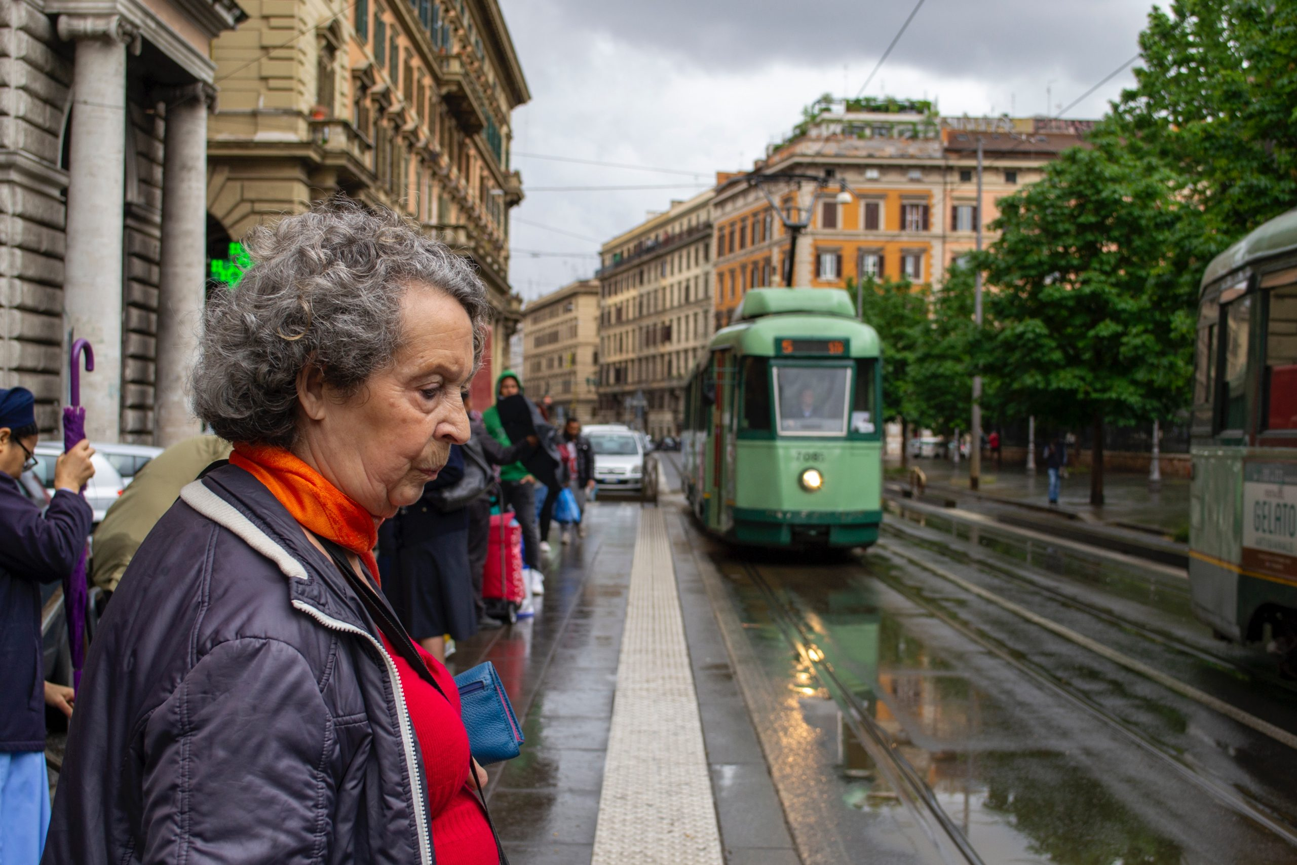 esquilino tram moving to rome